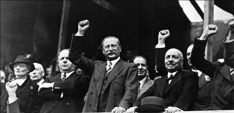 Quelle date correspond à la victoire électorale du Front Populaire ?