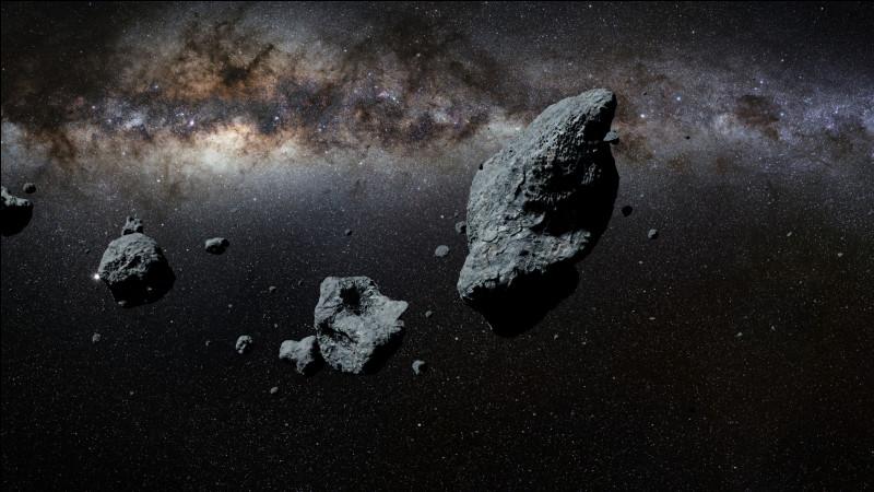 Je suis un corps céleste constitué de métaux et de matériaux rocheux. On me trouve en grand nombre entre les orbites de Mars et Jupiter. Qui suis-je ?