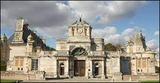 Je vous propose de commencer notre nouvelle balade dans le Centre-Val-de-Loire, au château d'Anet. Ville de la Communauté d'agglomération du Pays de Dreux, elle se situe dans le département ...