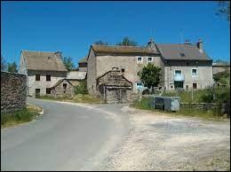 Nous sommes dans l'ancienne région Languedoc-Roussillon, à Longuessagne. Hameau de l'ancienne commune de Javols, il se situe dans le département ...