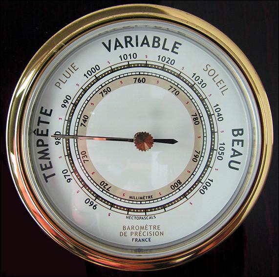 Comment se nomme cet instrument qui permet de mesurer la pression de l'air à un endroit donné ?