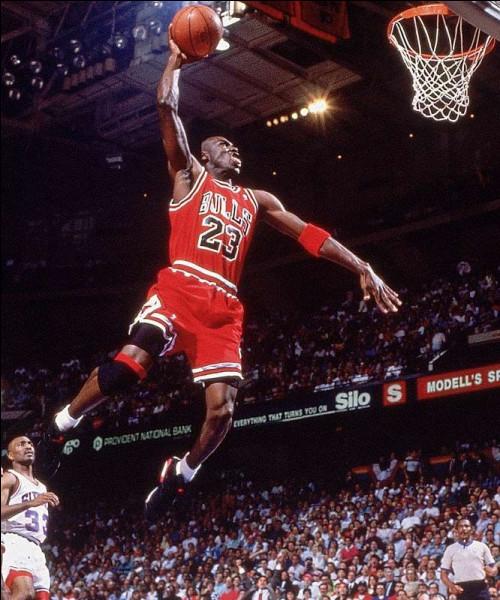 Qui est cette légende du basket-ball ?