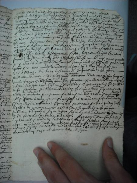 Pour ceux qui sont fâchés avec ces écritures médiévales, une compensation. Ce texte a été écrit bien plus tard et reprend un testament médiéval. D'après vous, quand a-t-il é