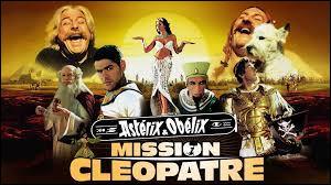 """Dans le film """"Astérix et Obélix : Mission Cléopâtre"""", quel acteur incarne le personnage de Amonbofis ?"""