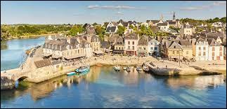 Dans quel département se trouve la ville d'Auray ?