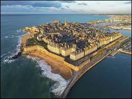 Dans quel département se trouve la ville de Saint-Malo ?