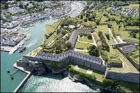 Dans quel département se trouve la ville de Lorient ?