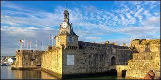 Dans quel département se situe la ville de Concarneau ?