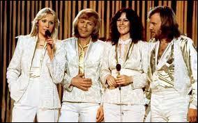 Avec quelle chanson ABBA gagne-t-il l'Eurovision en 1974 ?