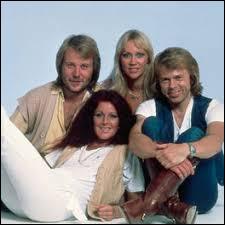 """Sur quel album de ABBA trouve-t-on le single """"Money, Money, Money"""" ?"""