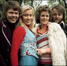 En quelle année ABBA se sépare-t-il ?