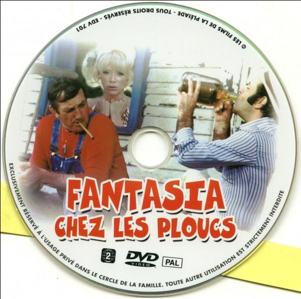 """""""Fantasia chez les ploucs"""" est un long-métrage joué par Mireille Darc."""