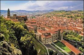 Dans quel département se situe la ville du Puy-en-Velay ?