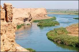 Lequel de ces cours d'eau traverse l'Irak ?