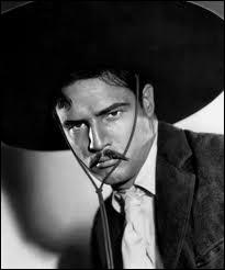 Il menait la révolte des peones mexicains dans ' Viva Zapata' :