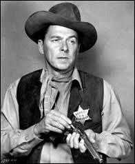 Il n'a tourné que des westerns de série B, mais il est plus connu pour sa carrière politique :