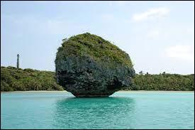 """Où se trouve """"Grande-Terre"""", cette île de l'océan Pacifique surnommée """"Le Caillou"""" ?"""