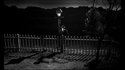"""Dans """"La Nuit du chasseur"""", quel acteur incarne le révérend Harry Powell ?"""