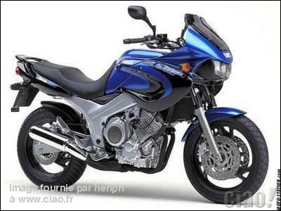 Quel est le nom de cette moto ?