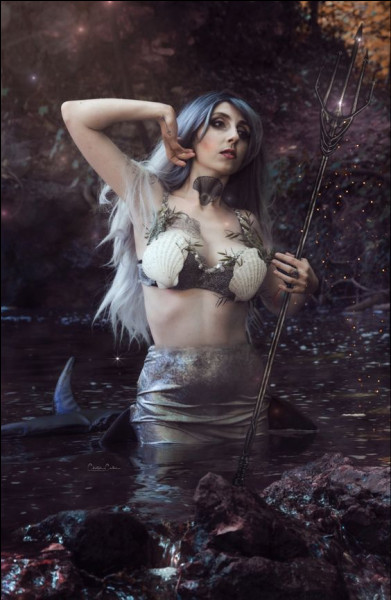 Cette belle néréide est la femme de Poséidon. Qui est-elle ?