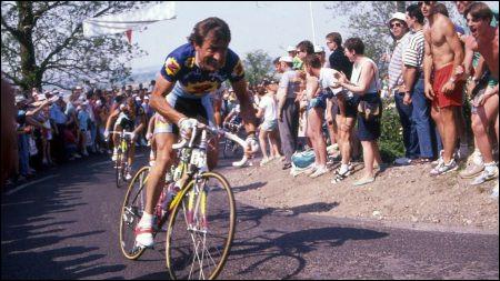 En 1992, il remporte la course en solitaire à presque 38 ans, quatorze ans après sa première participation. Il récidive l'année suivante, en battant au sprint l'Italien Franco Ballerini, pour huit millièmes de seconde. C'est ...