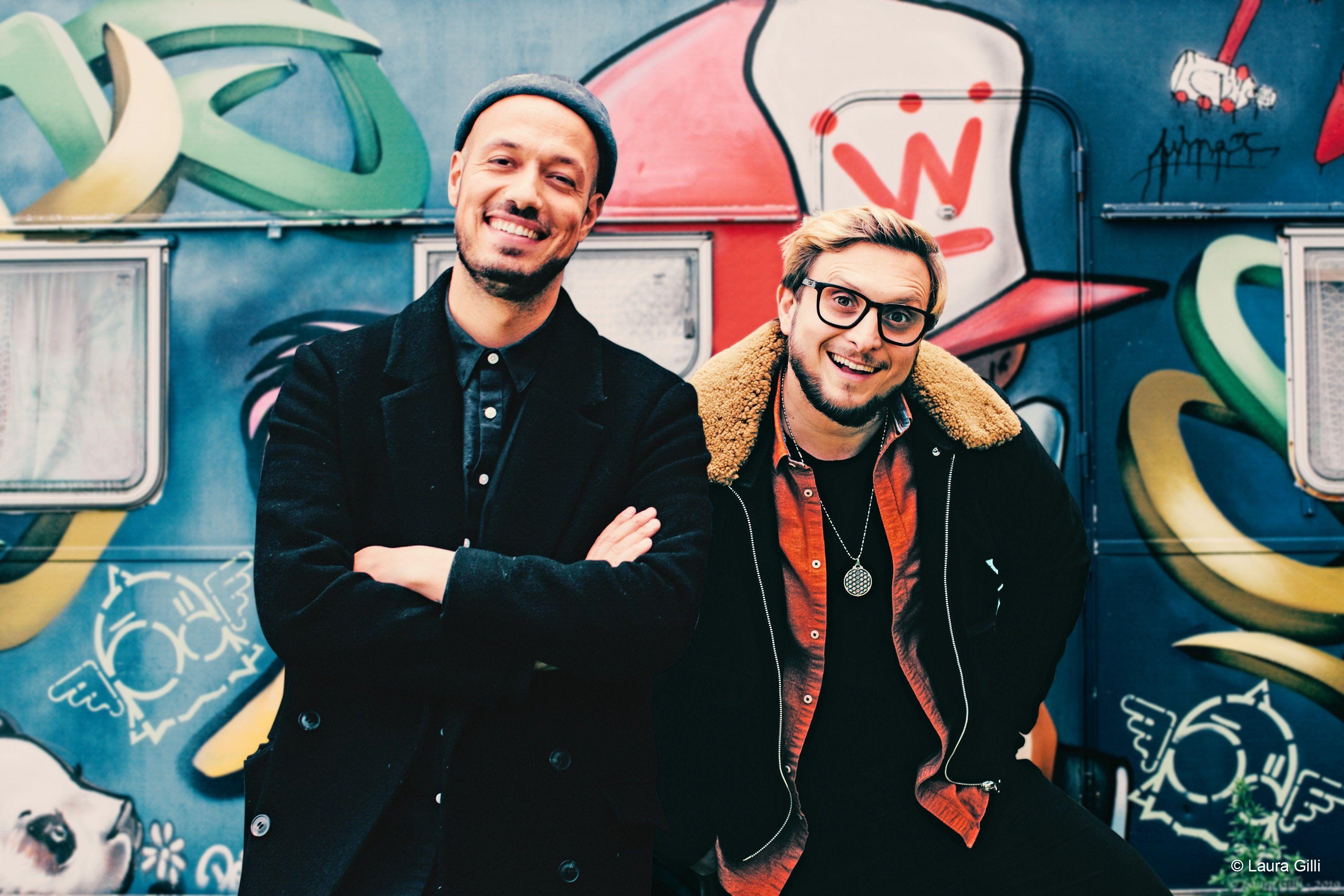 Deux youtubeurs célèbres : McFly et Carlito !