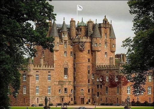 Glamis > ...ou le château pour glaner des amis ! Que peut-on en dire ?