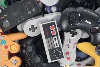 En avril 2013, Cyprien fonde en partenariat avec le vidéaste Squeezie, une seconde chaîne sur laquelle il publie des tests de jeux vidéo et des vidéos de ''gameplay'', c'est-à-dire se filmer en train de jouer à un jeu vidéo en le commentant. Quel est le nom de cette chaîne ?
