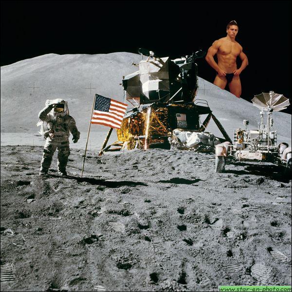 En 1969, Neil Armstrong est très surpris de retrouver Mickaël Vendetta sur la lune, arrivé par ses propres moyens (le scooter ZX-C6PO). On retient pourtant que la première mission lunaire fût...