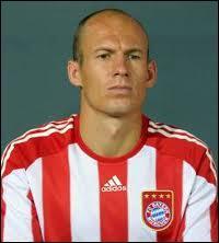 Dans quelle équipe nationale joue cet ailier du Bayern ?