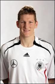 Quel est le poste de prédilection de ce joueur du Bayern ?