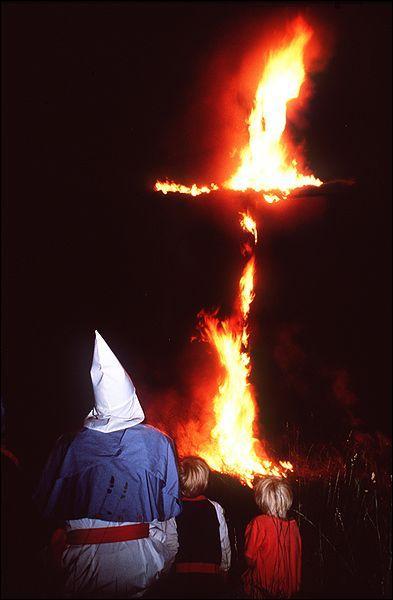 Histoire : Le sigle KKK désigne le Ku Klux Klan, organisation raciste prônant la suprématie blanche. Le KKK a été fondé en :