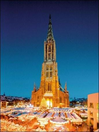 La cathédrale qui a la flèche la plus haute du monde est celle de :