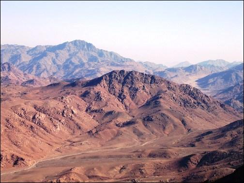 C'est sur ce mont que Moïse reçu de Yahvé les Tables de la Loi