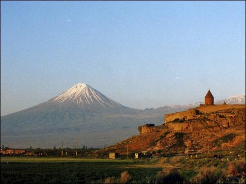 L'arche de Noé s'échoua sur ce mont après le Déluge :