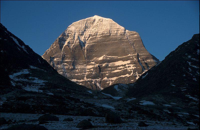 Cette montagne de l'Himalaya est la demeure de Shiva, dieu majeur du panthéon bouddhiste :
