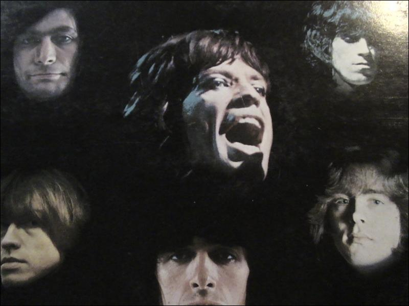 De mai 1975 à janvier 1993 le groupe Rolling Stones se compose de cinq membres. .