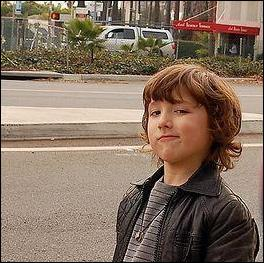 Comment s'appelle le petit frère des Jonas Brothers ?