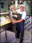 Je vends le poisson sur les marchés, je suis...