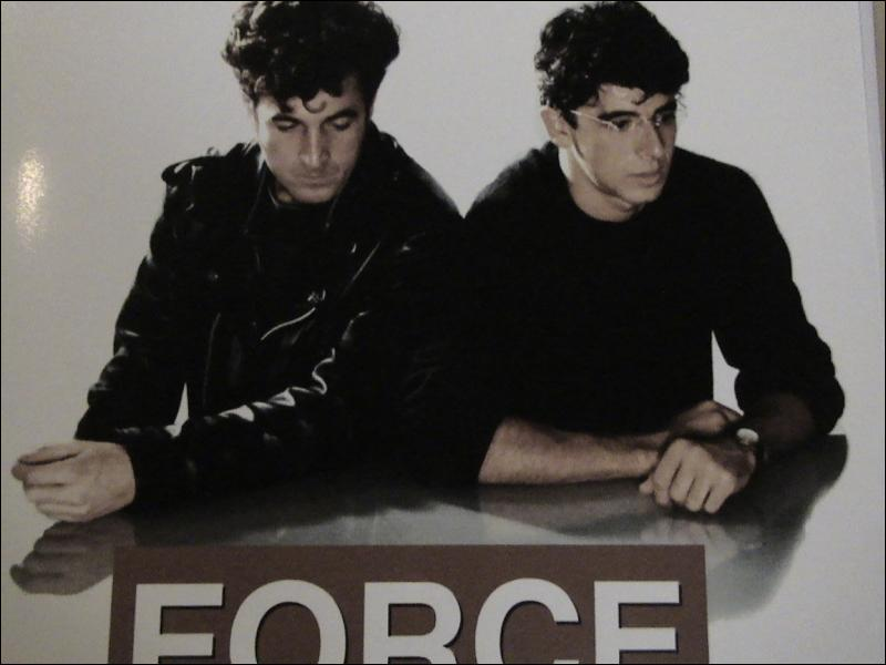 ' Force majeure ' ( 1989 ) film de Jean-Marc Jolivet. avec François Cluzet Patrick Bruel.