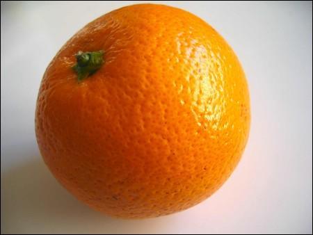 L'orange contient beaucoup de vitamine