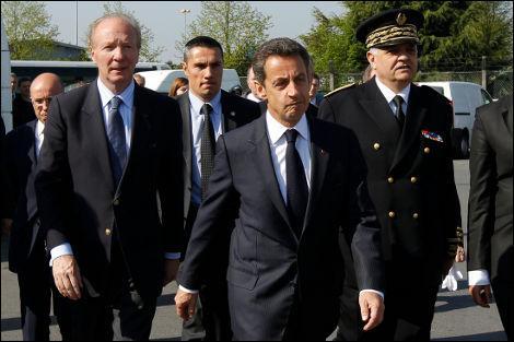 Un jeune a insulté Sarkozy à la Courneuve. Quel autre incident a terni cette visite surprise ?