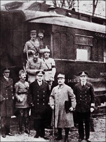La fin de la première Guerre mondiale date du...
