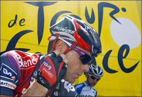 Quelle est la nationalité de Cadel Evans, un des favoris du Tour ?
