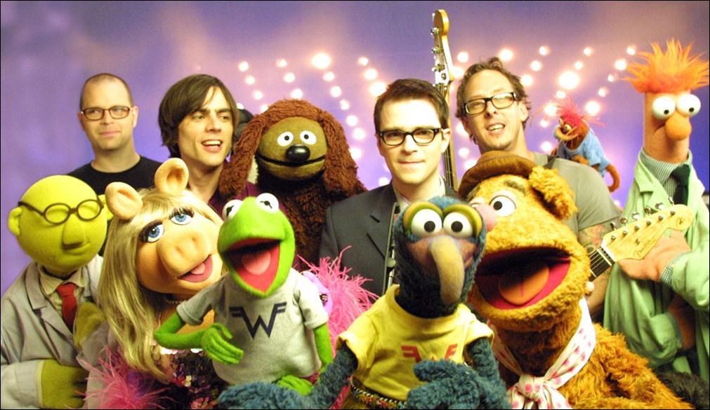 Dans un clip de quel groupe apparaissent les Muppets ?