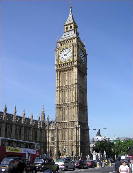 Quel est le nom de cette tour visible en Angleterre ?