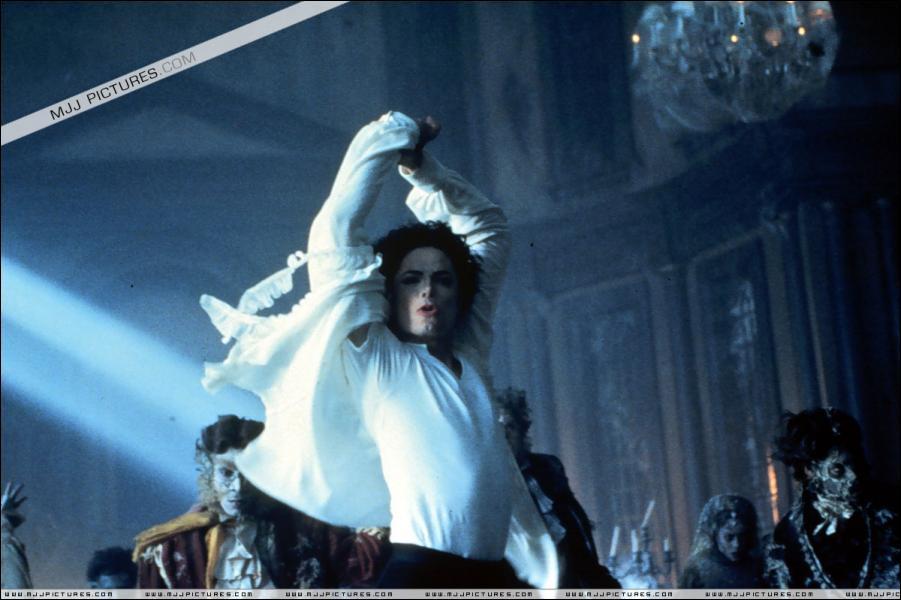 Le film 'Ghosts'sort en 1997, mais en quelle année sortit la chanson 'Ghosts' ?