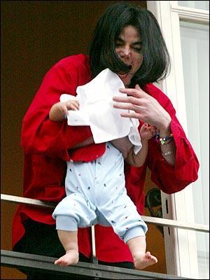 En quelle année naît 'Blanket', le 3e enfant de Michael Jackson ?