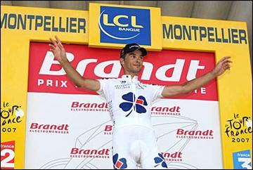 De quelle nationalité était le coureur qui a remporté le prix combatif lors de la première étape de cette grande boucle ?