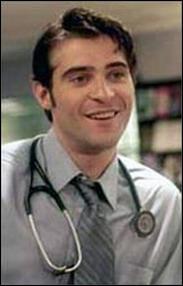Pourquoi le Dr Kovac n'est il pas executé lors de sa capture en Afrique dans l'épisode 2 de la saison 10 ?